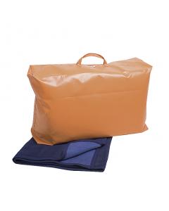 Transporttasche gefüllt mit 5 Wolldecken Rostock